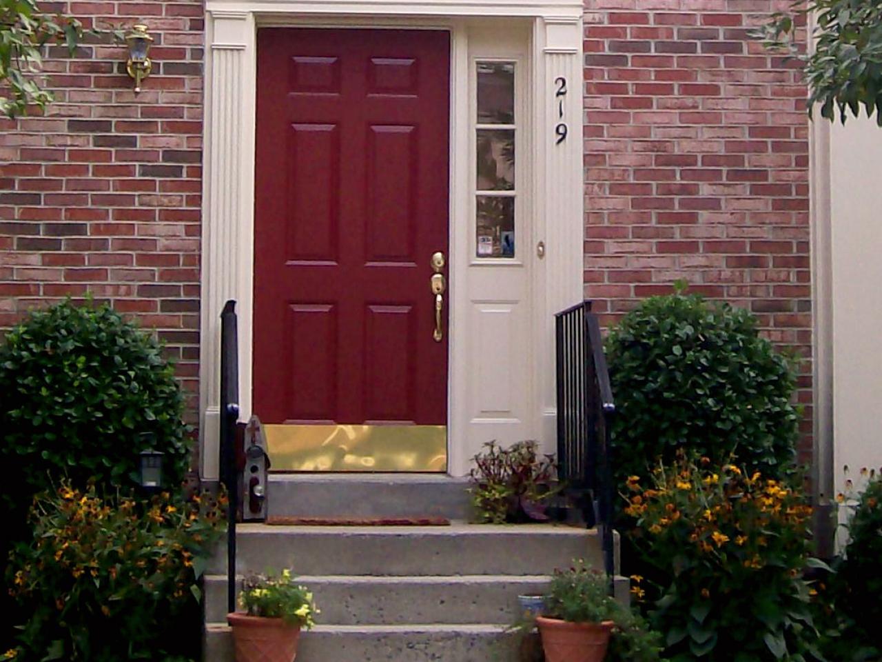 hsold210-red-front-door.jpg.rend.hgtvcom.1280.960